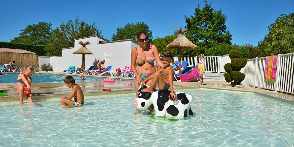 camping avec piscine chassezac